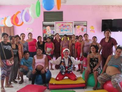 Participando en las actividades en el Centro de Salud Campo Verde