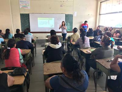 """Taller de Sensibilización en la """"Contribución del Control de las Parasitosis""""; Loreto"""